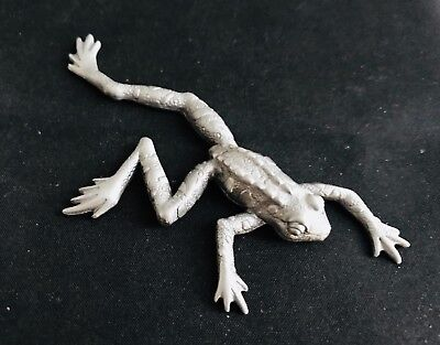Solid Pewter Stretching Tree Frog Ribbit Reptile Silver Metal Figurine