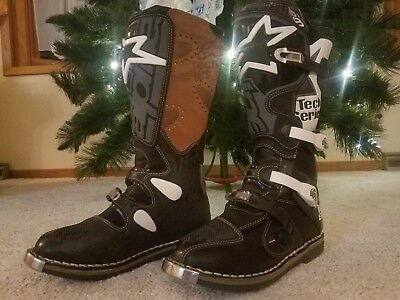 BRAND NEW Alpinestars boots tech 8 (size 9) mens black with white decals cowhide