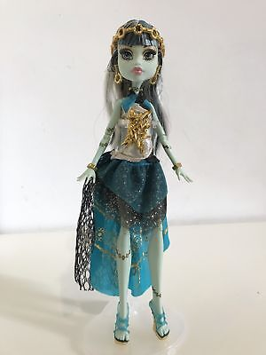 Monster High Frankie Stein 13 Wishes Doll inc stand VGC