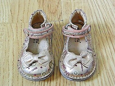 Kickers Toddler Girl's Leather Shoes Rose Gold Size Infants 4