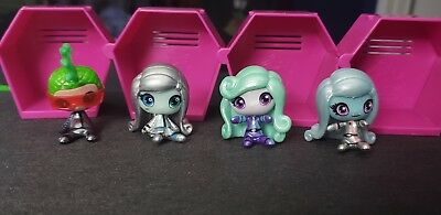 Monster High Minis Season 1 Space monsters lot (4)