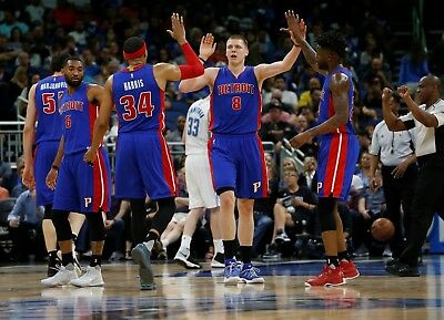 Detroit Pistons Vs Los Angeles Clippers Low Level Aisle Seats 2-2 Free Parking