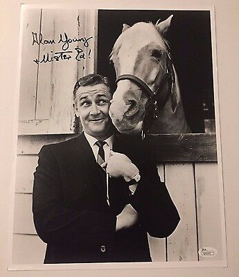 """Alan Young """"mister Ed"""" Signed 11X14 Jsa Coa Autograph Photo Inscribed Scrooge"""