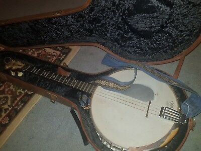 Bacon and Day Special Banjo in amazing playing condition. Sounds biblical!