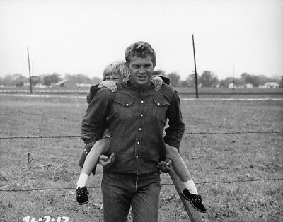Steve McQueen (King of Cool) - 8x10 Photo - Magnificent Seven - Great Escape - 2