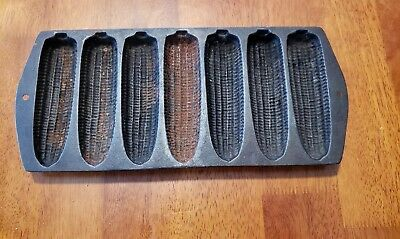 Vintage Cast Iron Corn On the Cob Muffin Corn Bread Baking Pan 7 Cavity Mold USA
