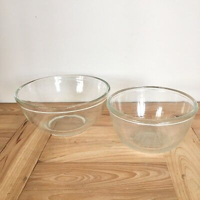 Pair Of Vintage Pyrex Glass Mixing Bowls 7-9 Inch Diameter