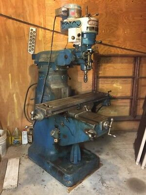 BRIDGEPORT 1 HP 220 Volt  Vertical Milling Machine
