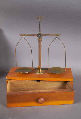 Antique Henry Troemner 1/2 oz Apothecary Scale Model 09 Wood Brass Balance Scale