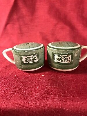 Pair Of Coffee Or Tea Cups Salt and Pepper Shaker Set