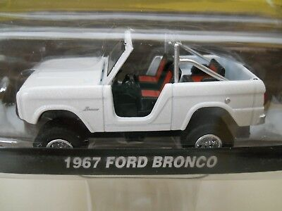 Greenlight - County Roads - Lifted 1967 Ford Bronco 4X4 - 1/64 Diecast
