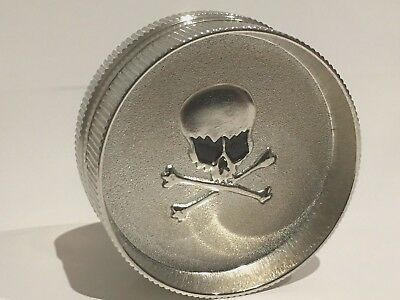 Metal Hand Herb GRINDER 2 Layers Skeleton Tobacco Smoke Muller - Free Postage