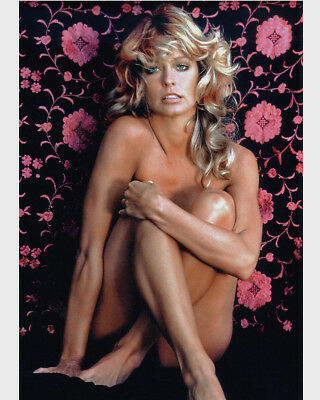 Farrah Fawcett With Flowers. 10 X 8   Inch   Photo  . Lovely  Image A