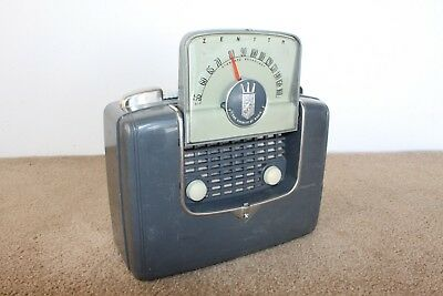 Vintage Zenith tube AM radio 4G903