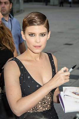 GLOSSY PHOTO PICTURE 8x10 Kate Mara With Hand Marker
