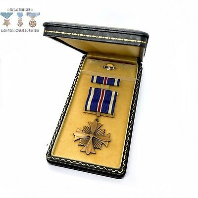 Wwii Usaac Distinguished Flying Cross Medal Slot Brooch Ribbon Bar Lapel Case