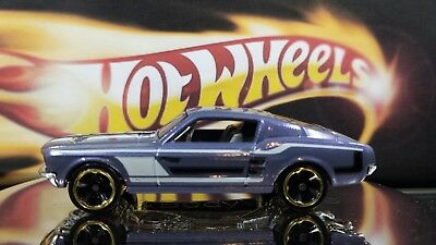 Hot Wheels 1967 Mustang Fastback 315 Purple White Ford