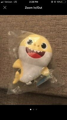 Pinkfong BABY SHARK Wow Wee Yellow Official ENGLISH Singing Plush Authentic