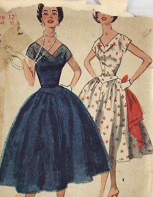 1950s Simplicity Vintage Sewing Pattern 1116 Dress Bust 30