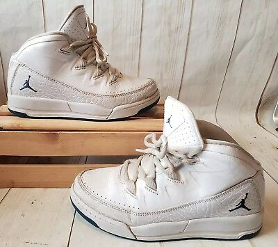 Nike Air Jordan Deluxe White Basketball Shoes Youth 807719-140 Size 2Y 667eb0d3c