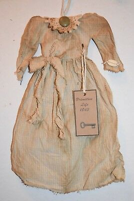 "14""  GRUNGY n GRUBBY VINTAGE PRIMITIVE FOLK ART DOLL WALL DECOR TEA DYED DRESS"