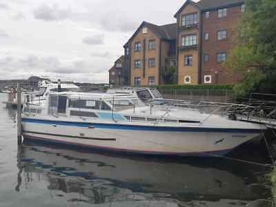 36 x 10 broads cruiser style boat nr London house boat liveaboard widebeam