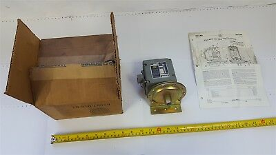 Square D 9012-AMW-21 Industrial Pressure Switch 10A 600VAC Series-B Form-Z4 New