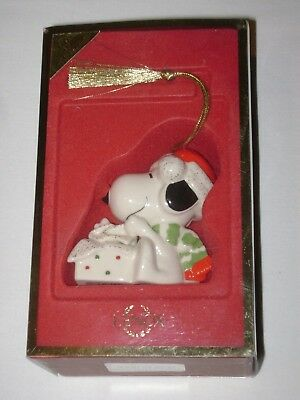 Lenox Ornament A SURPRISE FOR SNOOPY Mint