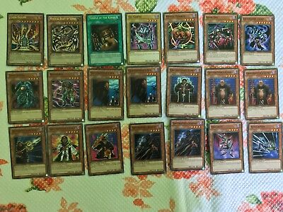 Yu-Gi-Oh  Marik's  Structure Deck SDMA-ENA000 in English and in Gem Condition