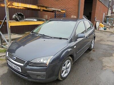 ford focus zetec climate 5 door 2007 spares or repairs starts and drives reduced