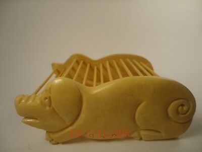 Collection Ancient China Hand Carved Lovely Pig Cricket Cage Family Decoration