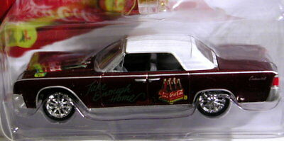 Johnny Lightning 61 1961 Lincoln Continental Coca Cola Holiday Christmas Car