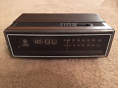 Vintage GE C43215B Walnut Finish Flip Alarm Clock Radio Mid-Century PARTS ONLY
