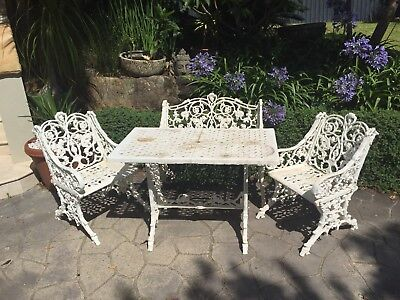 Vintage Cast Iron Garden Setting Table 2 Seater Chair 2 Chairs