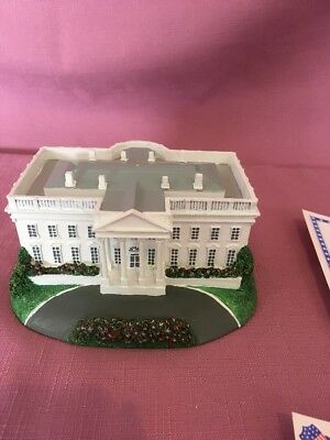 "1993 Danbury Mint Homes of the Presidents Collection ""The White House""    R"
