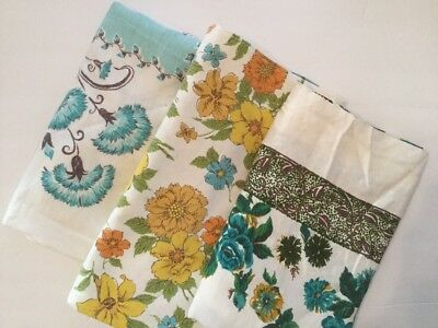 Lot Of 3 Vintage Printed Tablecloths - Floral F3