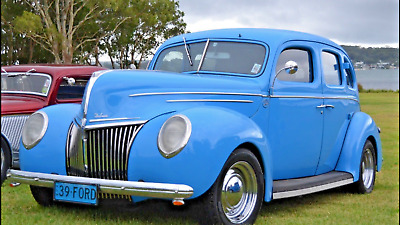 1939 Ford Deluxe Sedan - Modified Hot Rod