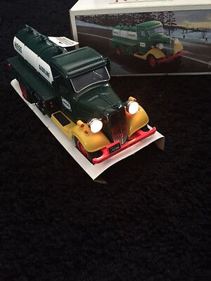 FIRST HESS TRUCK TOY BANK 1985 (BRAND NEW) Lights Working
