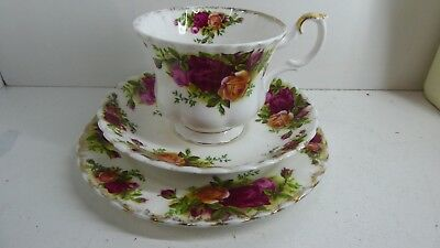 Vintage Royal Albert Old Country Roses Trio Cup Saucer Plate