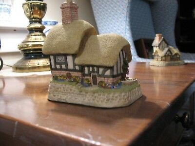 David Winter Cottages Blossom Cottage, 1989 May British Traditions, mint