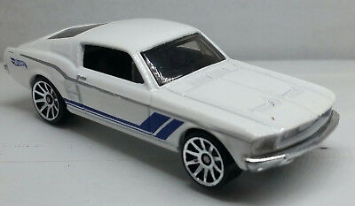 Hot Wheels 1967 Ford Mustang Fastback 2015/Malaysia LOOSE