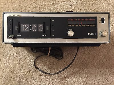 Vintage RCA Model RWS457W Alarm Flip Clock Radio Mid Century PARTS ONLY