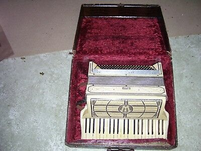 Vintage Wurlitzer Accordion Made In America For Parts or Repair With Case