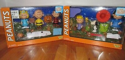 Memory Lane Peanuts Its The Great The Pumpkin, Charlie Brown 2 Play Sets