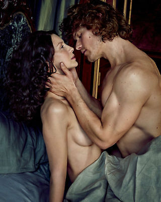 GLOSSY PHOTO PICTURE 8x10 Caitriona Balfe And Sam Heughan Crazy Of Love