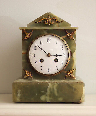 A Handsome Antique Mantel Clock in Green Onyx, Gong Striking, GWO