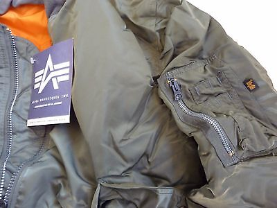 f4977d81173 MADE IN USA MA-1 Alpha Industries MEDIUM Pilot Flight Jacket US Army MADE IN