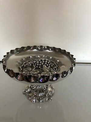 Stunning Heavy And Quality Walker & Hall Silver Plated Pierced Tazza Footed