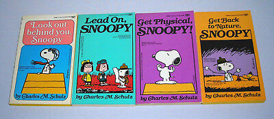 Lot of 4 Snoopy Comic Books Look out behind you, Lead On, Charles Schulz Peanuts