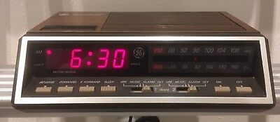 Vintage GE Dual Alarm Digital Clock FM/AM Radio 7-4616A Two Wake Times TESTED